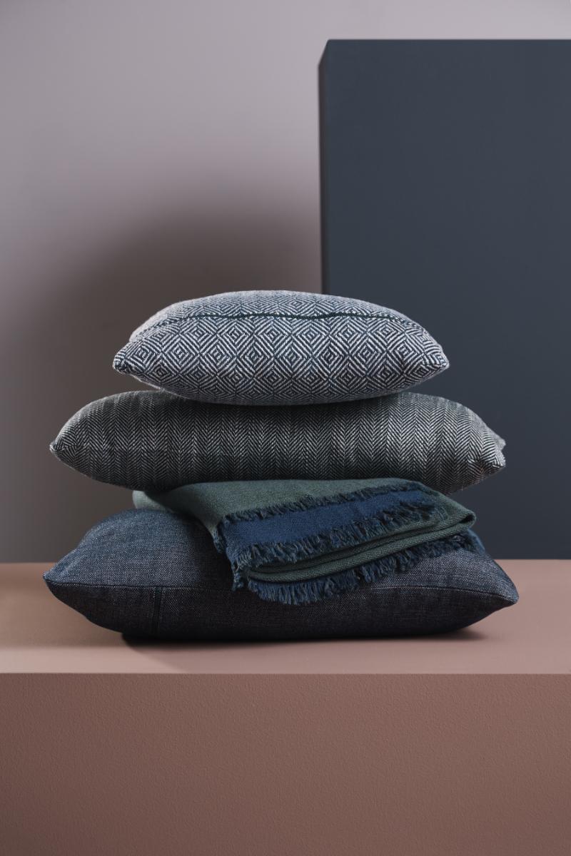MLR_weave_cushions1_WOUD