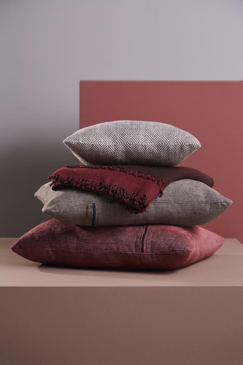 MLR_weave_cushions2_WOUD